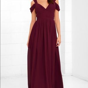 Burgandy maxi dress - NEW Condition - Lulus